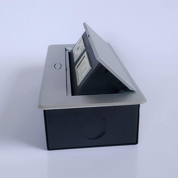 Mặt bên hộp điện âm bàn