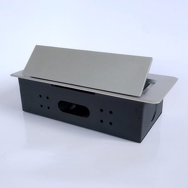 Mặt sau hộp điện âm bàn